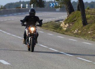 voyager à moto, motard, équipements