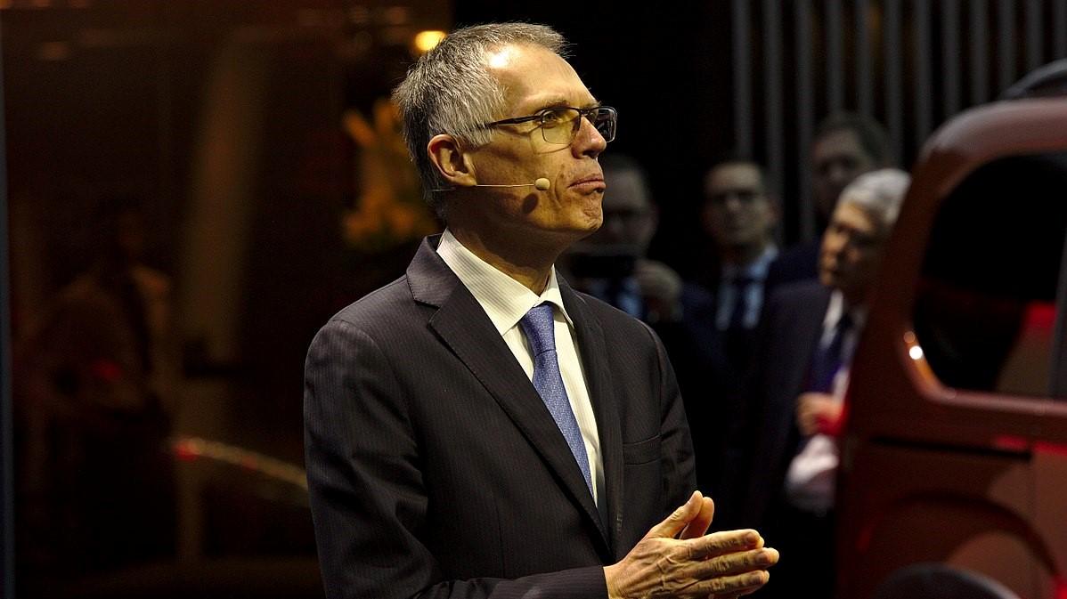 carlos tavares président du grope peugeot